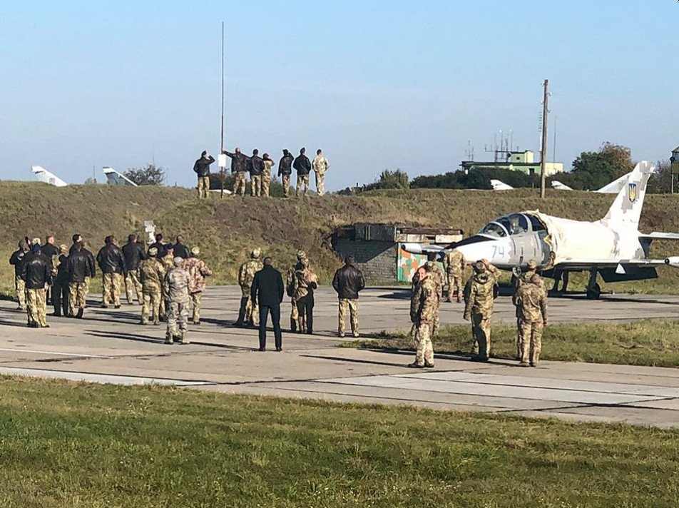 Возле границ ЛНР заметили солдат в форме НАТО