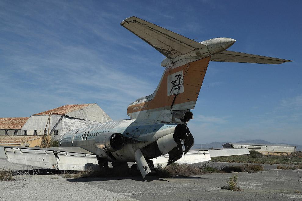 Это там же. Заброшенный международный аэропорт Никосии внутри буферной зоны