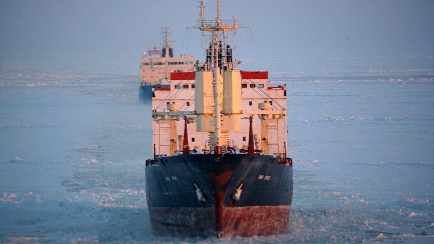Япония имеет свои планы на Северный морской путь России