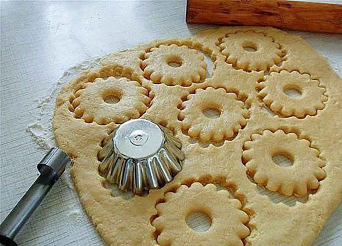 Быстрое песочное тесто. Для ягодных пирогов и корзиночек!