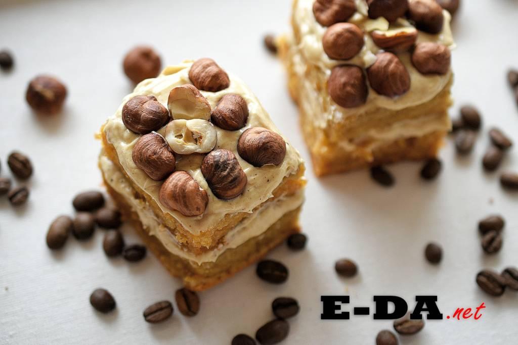 Рецепт: Кофейный торт с медовым кремом