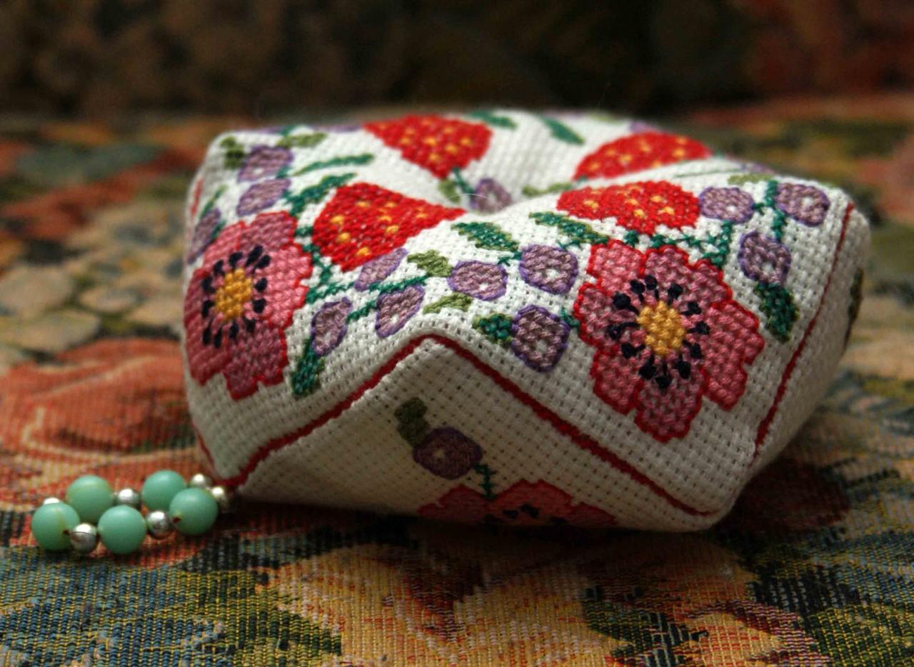 Вышиваем бискорню