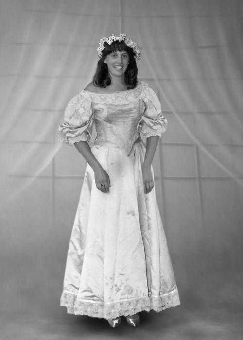 Невеста № 10: Энн Огден, которая вышла замуж за Роберта Хасслена в 1991 году.
