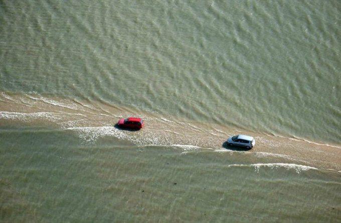 Дважды в день эта дорога становится самым опасным местом для владельцев автомобилей…