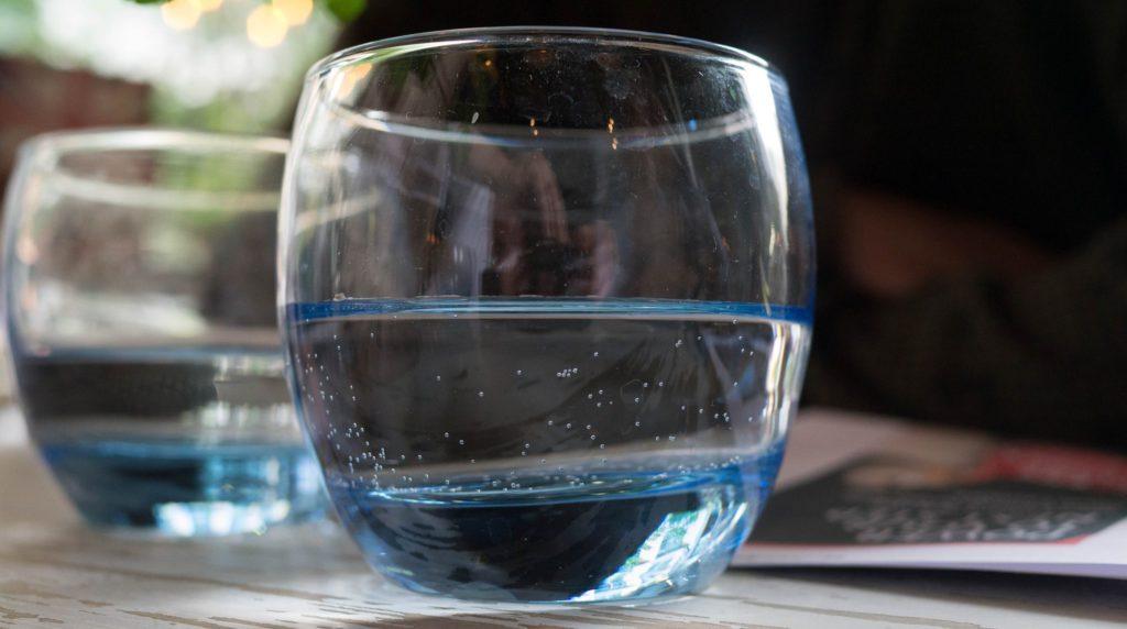 Глоток воды: краткая инструкция по управлению организмом