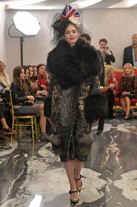 Показ Dolce & Gabbana Alta Moda осень-зима 2017-2018 в Лондоне
