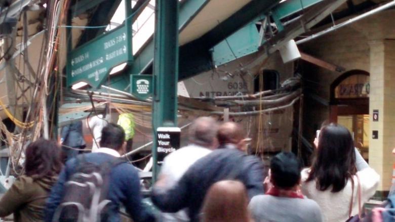 100 человек пострадали при крушении поезда в США