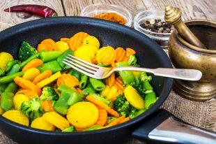Овощное рагу. Как полюбить морковку и шпинат