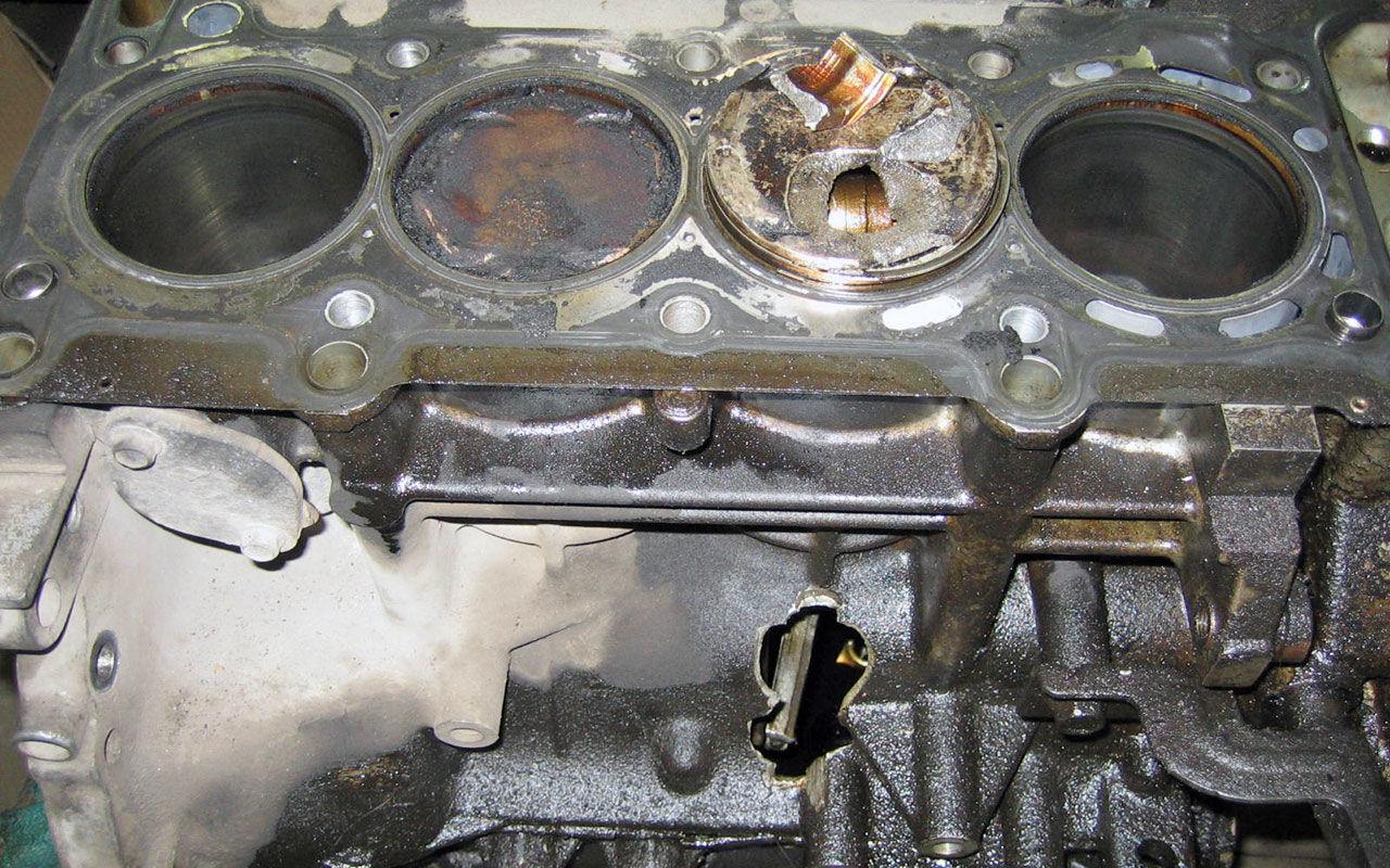 Как сделать чтобы двигатель заклинил