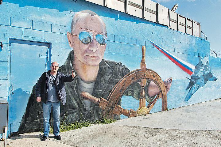 Можете снова и снова переспрашивать крымчан: ответ будет один и тот же: в Россию!