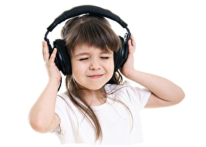 Первый в Рунете бесплатный поисковик музыки с онлайн плеером Мuzebra