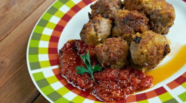 Блюда из фарша: Кефтедес