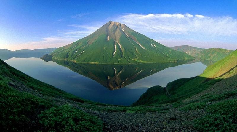 Уникальный вулкан Креницына в Сахалинской области