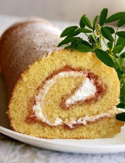 Удачный бисквит для десертного рулета никогда не подведёт в выпечке