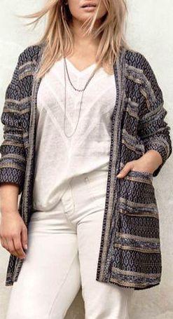 Можно ли одеваться красиво с размером одежды size plus? Не просто можно, а даже нужно!