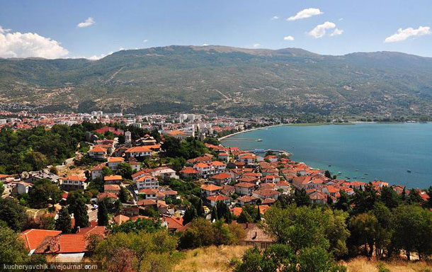 Вид из Самуиловой крепости на старый Охрид