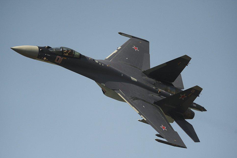 СМИ рассказали о главном преимуществе Су-35 над американским F-22