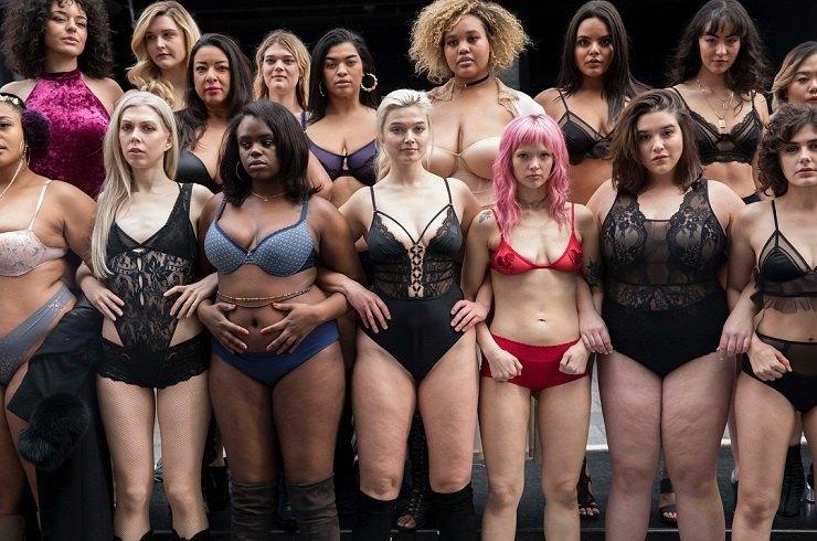 «Объемная» красота обычных женщин: пышки в исподнем прошлись по Нью-Йорку и объявили войну стереотипам!