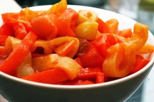 Разноцветное лечо из болгарского перца