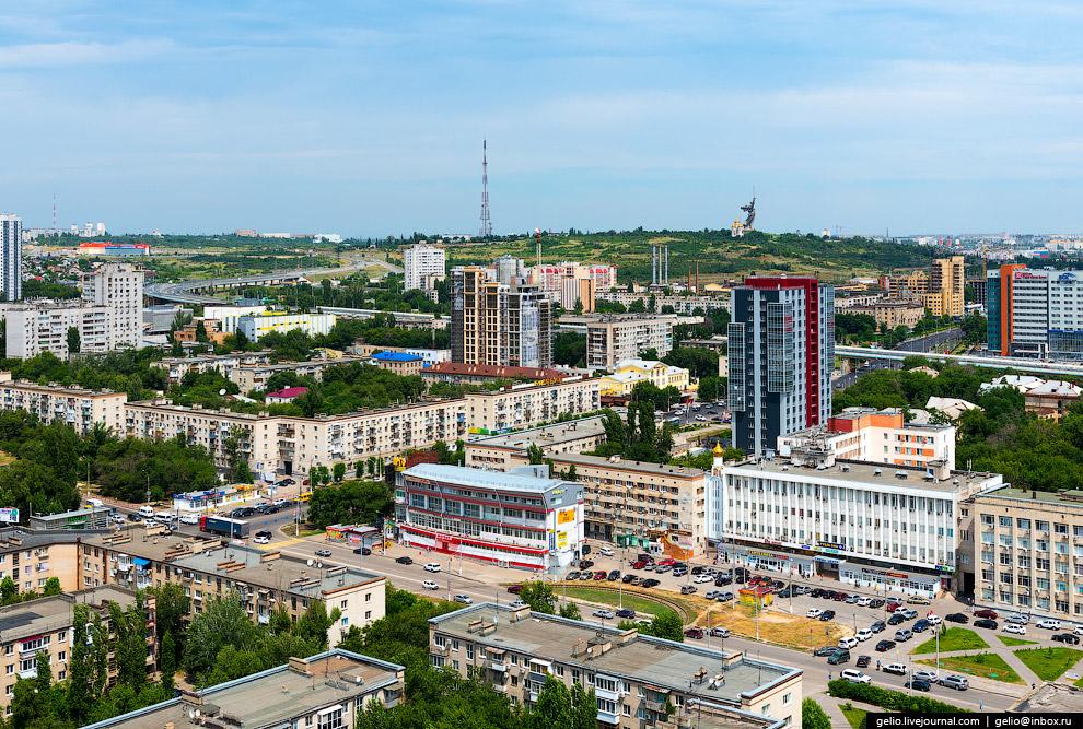 Пересечение проспекта Ленина и улицы 7-й Гвардейской Дивизии.