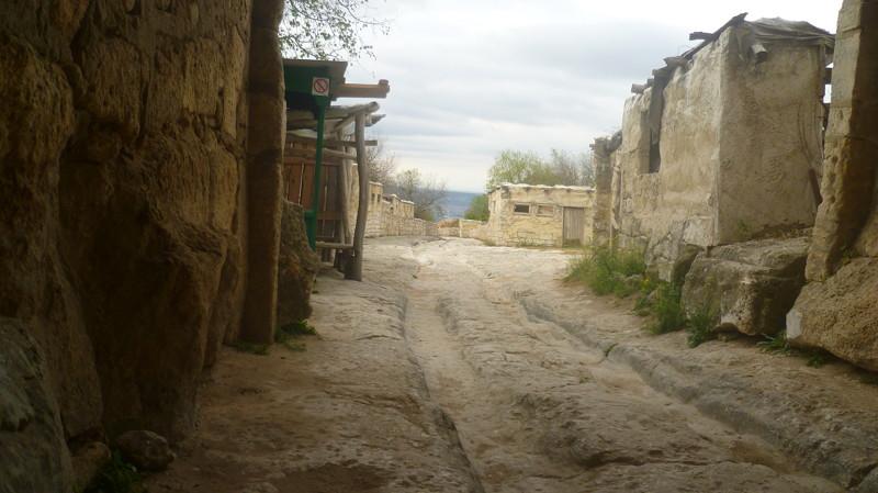 Главная улица город Чуфут-Кале, крым, пещерный город, пещерный город Чуфут-Кале