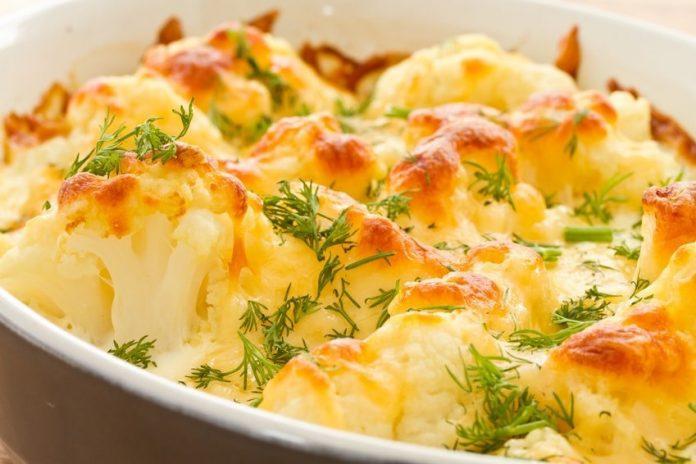Цветная капуста с чесночным соусом, запеченная в духовке. Вкусно и низкокалорийно
