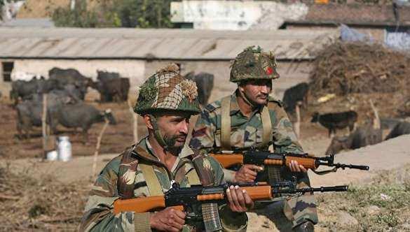 Армия Индии открыла массированный огонь на линии контроля с Пакистаном