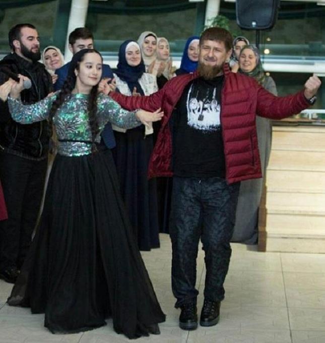 Рамзан Кадыров подарил 15-летней звезде шоу «Голос.Дети» автомобиль