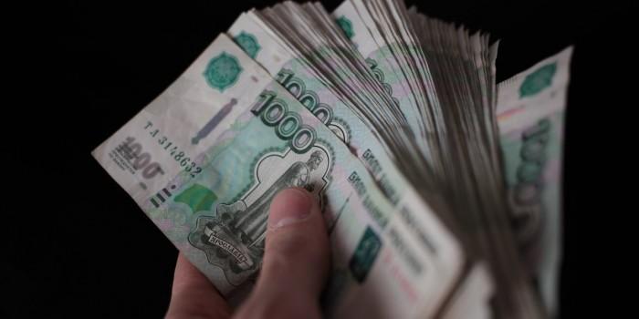 """В Минфине назвали объем """"серой зарплаты"""" в России"""