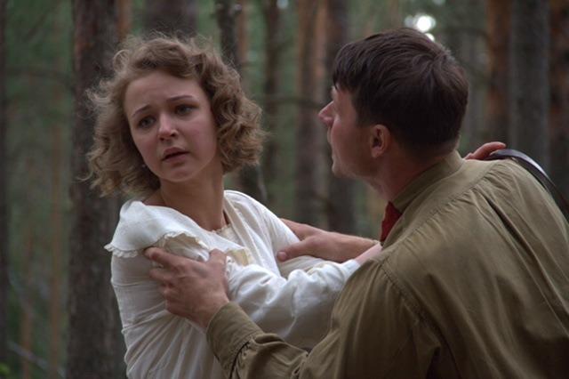Актриса из скандального клипа группировки «Ленинград» «Сиськи» дебютировала в большом кино