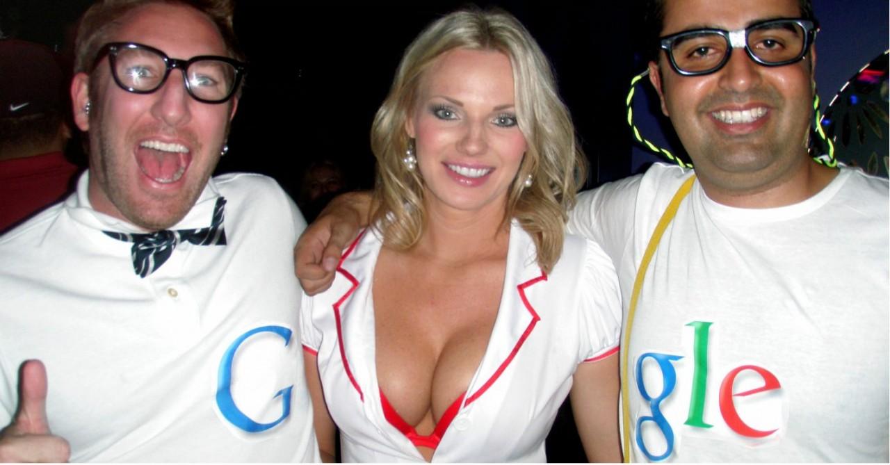 «Окей, Гугл! Расскажи свой с…