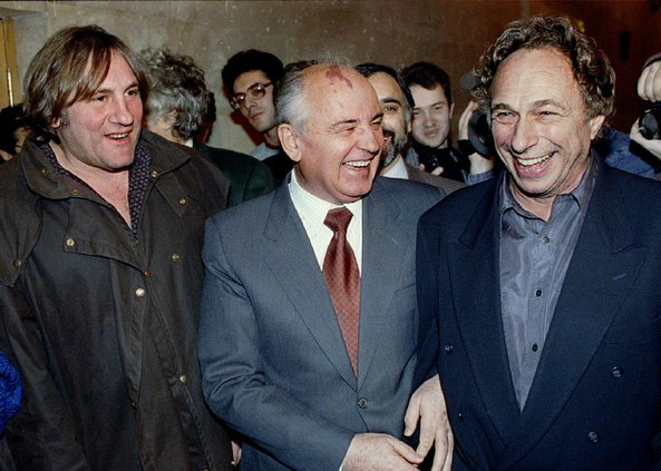 Депардье, Горбачев и Ришар на Московском кинофестивале, 1993 год, Россия
