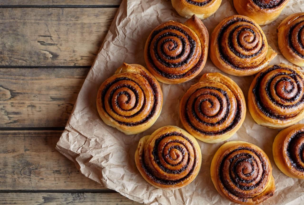 Картинки по запросу Десерт дня: булочки с корицей