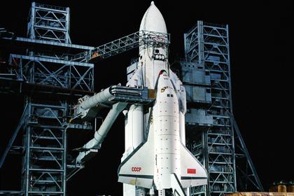 Россия похоронила надежду догнать США, но все еще мечтает о сверхтяжелой ракете