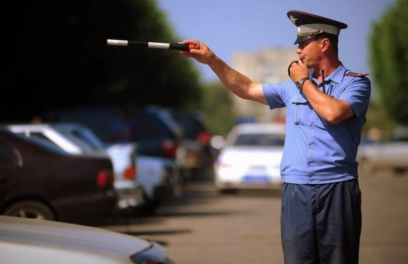 На Садовом кольце в Москве сотрудника ДПС избили и сломали его жезл