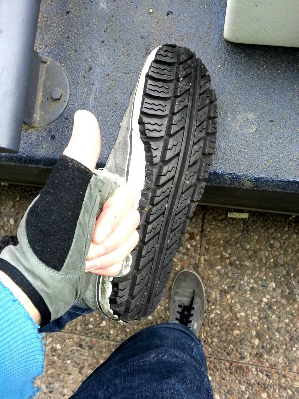 1. Из старых шин можно сделать подошву для обуви интересно, покрышка, своими руками, сделай сам, фото