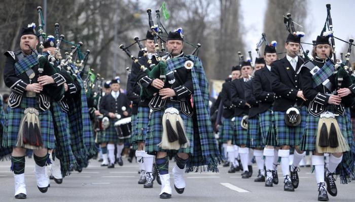 Бравые шотландские солдаты. / Фото: http://seattle.cbslocal.com