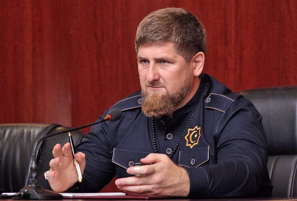 """Кадыров призвал журналистов """"Новой газеты"""" встать на колени перед народом"""