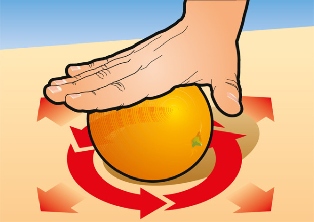 Самый простой способ очистить апельсин