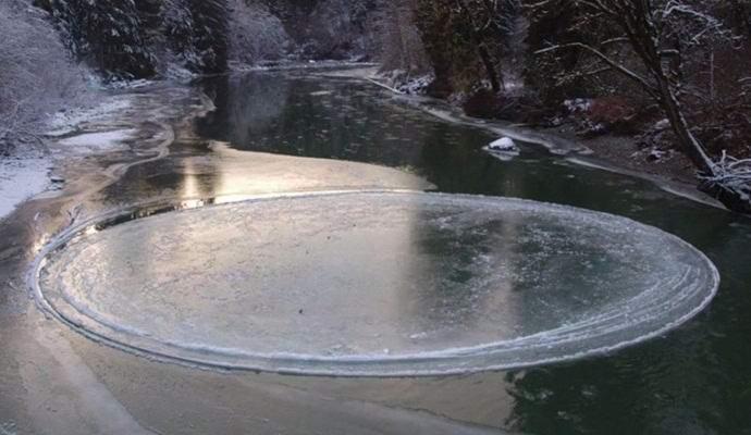 Загадочный ледяной круг теперь нашли на американской реке