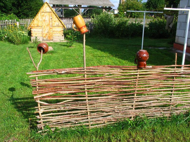 Делаем плетень на даче!(подробная инструкция)