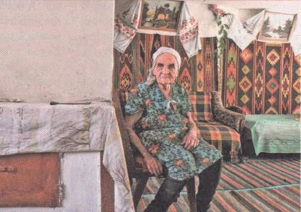 Бабушка зашептала