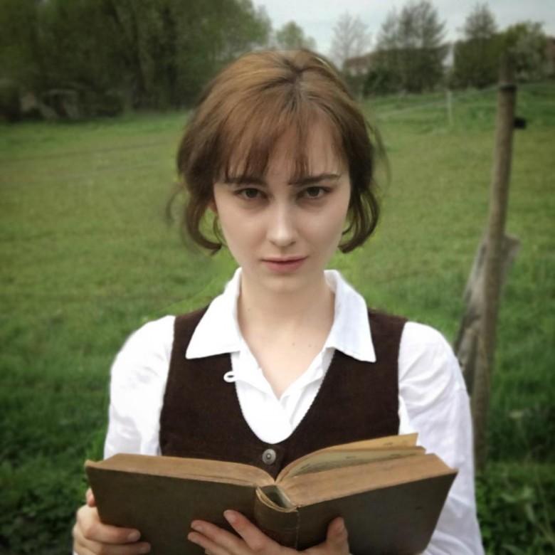 Элизабет Беннет из «Гордости и предубеждения».