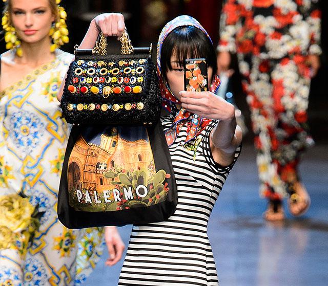 Всем по мешку: новая модная форма сумки