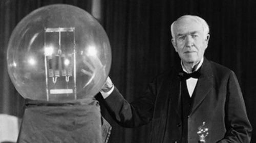 Картинки по запросу Эдисон изобрел электрическую лампочку
