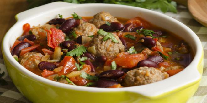 Тушеное мясо с фасолью и овощами. Это вкусное, сытное и неимоверно нежное мясо