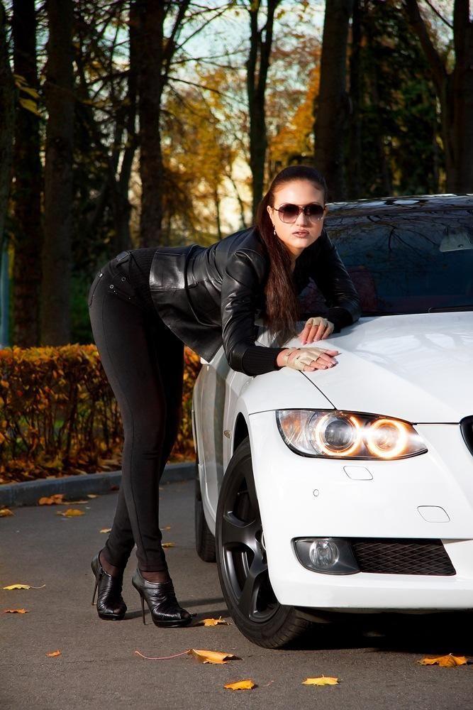 Красивые фото девушек брюнеток в авто фото 449-563