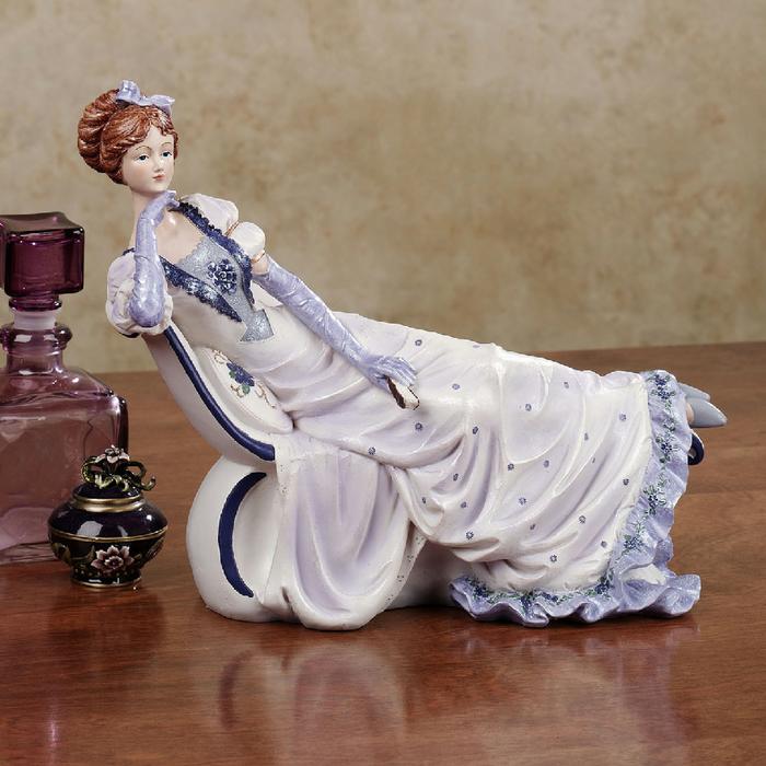 Женщины всегда кокетки, даже если статуэтки!)