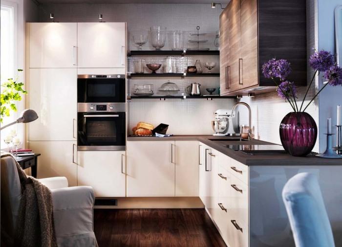 Необычный дизайн угловой кухни.