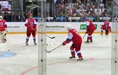 Путин вышел на лед против сборной НХЛ